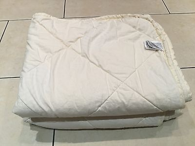 Mothercare Cot Bed Quilt / Duvet acclimatiser (Pure New Wool Filling)