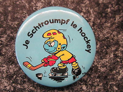 Smurf Badge or Button with clip Hockey Smurf vintage rare