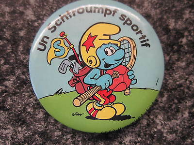 Smurf Badge or Button with clip Sporty Smurf vintage rare