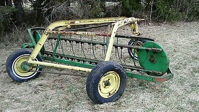 John Deere  640 Hay Rake great working condition
