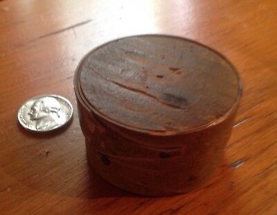 "Antique Rare Fingered Shaker Miniature 2"" Covered Box Canterbury N.H."