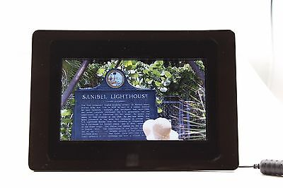 """Dynex 7"""" LCD Digital Photo Frame - Black with Remote, 1 GB SD Card and Manual"""