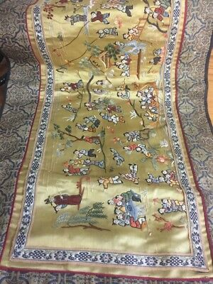 Vintage Beijing Scenic Chinese Asian Hand Embroidered Silk Panel Table Runner