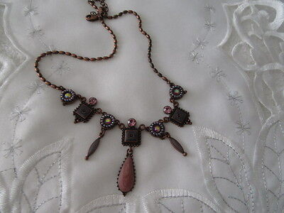 Stunning Vintage Pretty Dangle    Necklace