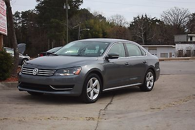 2013 Volkswagen Passat se 2013 Volkswagen Passat se 4 dr automatic low mileage gray exc condition must go