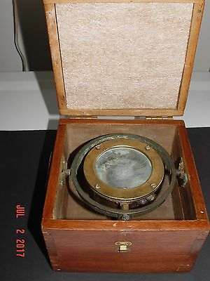 """Vintage Marine small Boat Compass 2 5/8 Inch glass face, Box 6-3/4""""Sq X 5"""" H"""
