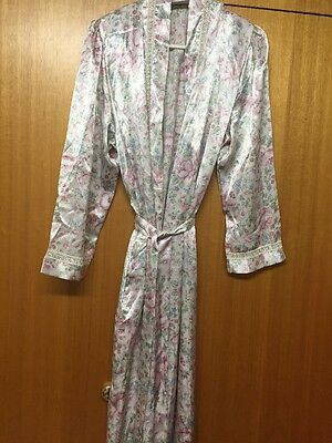 Givoni Designer Dressing Gown Size 14-16