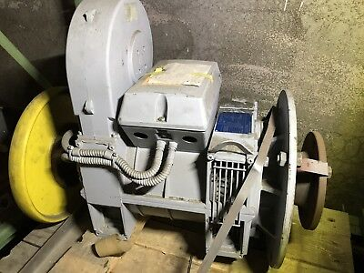 HOUSE ROOSTER ZIEHL-ABEGG LIFT Motor no. 95320672 - IMB9 - Type RZU132.28-4/BW