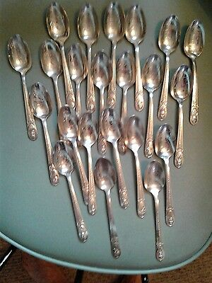 Lot of 22 Vintage Wm. Rogers Silver Plated Presidential Commemorative Spoons