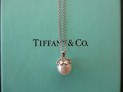 100% Genuine Tiffany & Co pearl necklace - sterling silver