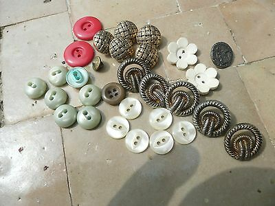 30 boutons  anciens vintage