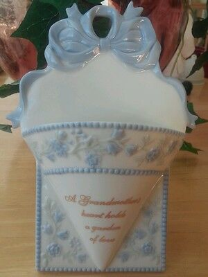 Avon Wall Pocket Vase Planter Grandmother's Heart Porcelain Easel Stand Or Hang
