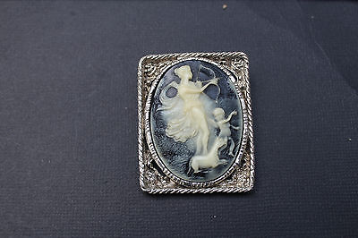 Vintage 1970s-1980s Plastic Cameo for Repair