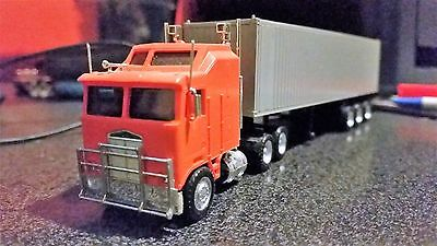 ho scale Kenworth Truck and Trailer