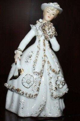 Vintage Hand Painted Lefton Kw 157 Figurine  6 Inches