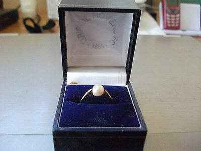 9 Carat Gold Ring With Single Cultured Pearl Hallmarked London