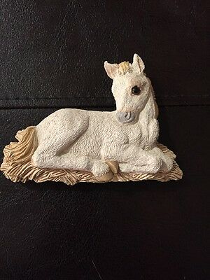 Vicki Lane Handmade Resin Horse Magnet Decorative Lovely New.