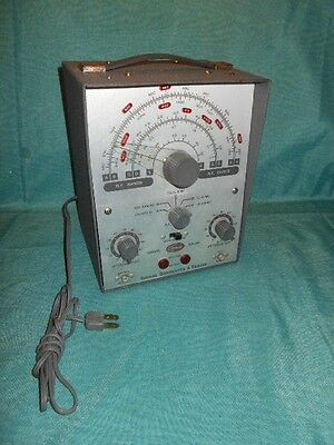 VINTG Olson Insruments MODEL KB - 141 SIGNAL GENERATOR & SIGNAL TRACER Powers up