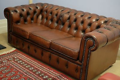 Chesterfield Sofa (2) by Moran