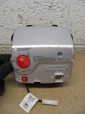 Bradford White Honeywell WV8840A1000 222-47463-01A Water Heater Gas Valve Used