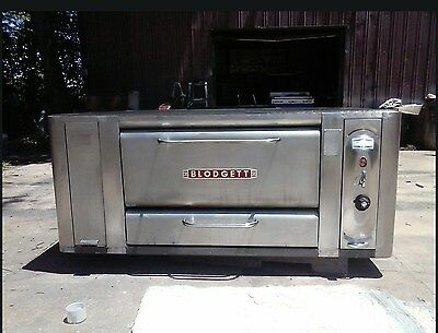 Blodgett 1000 Natural Deck Gas Double Pizza Oven With Brand New Stones 26In Legs
