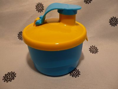 Tupperware Grow With Me Formula Dispenser New!