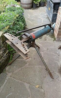"""3/8"""" - 2"""" hydraulic pipe bender with stand & formers."""