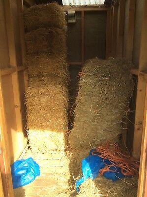 CHEAP!!! Joblot Bales Of Hay And Straw