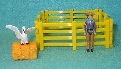 Breyer Stablemate Four Sections Of Yellow Fence, Hay, Swan & Girl Figure New