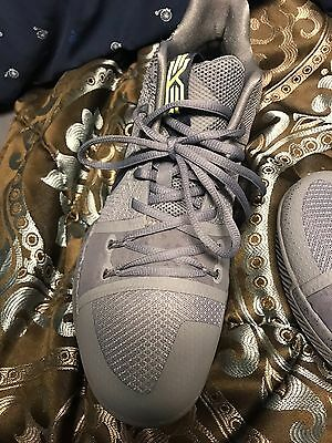 994a5381e451 MENS NIKE KYRIE 3 Cool Grey Midnight Navy Pure size 8 -  35.00 ...