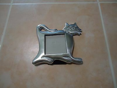 adorable aluminum picture frame of a cat