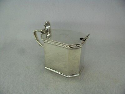 Good Quality Georgian Style Solid Silver Mustard Pot, London 1928