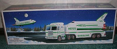 1999 Hess Toy Truck With Space Shuttle & Satellitenib Hess Holiday Tradition