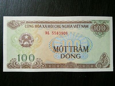 $100 Vietnamese Dong Vietnam 100 VND Banknote Currency Sequential Bills