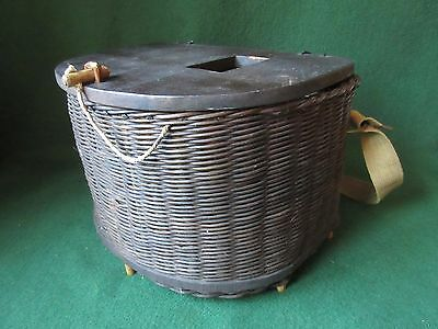Vintage fishing creel type seat basket