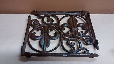2 FLEUR DE LIS Shelf Brackets Home or Garden Decor #082-58