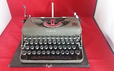 Vintage Grey Imperial Good Companion Model T Typewriter w/ Case - Circa 1940s