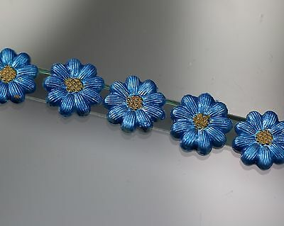 Beautiful painted Flower button Set - Forget-me-not -  (probably off 2010)