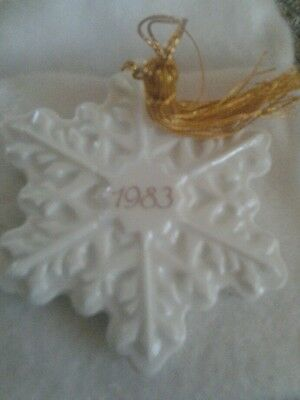 Avon 1983 Christmas Remembrance Ceramic Snowflake Ornament