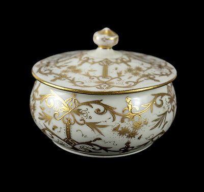 Vienna Austria Porcelain Gilt Powder Box, circa 1920