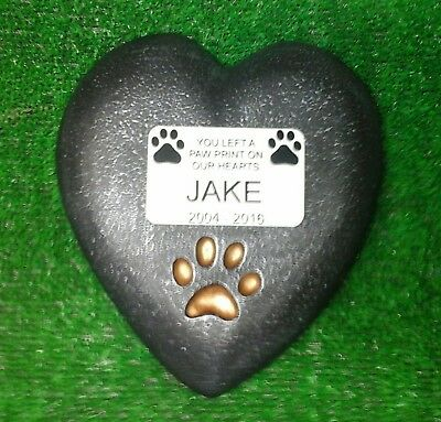 Dog or cat Large Pet Memorial/headstone/stone/grave marker. heart with plaque