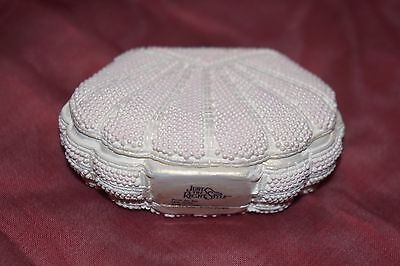 """Just the Right Style Shoe """" From The Sea""""  Shell Purse #26402 Willitts Raine NIB"""