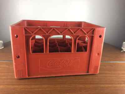 RARE VINTAGE DESIGN Coca Cola Crate -- Looks to be for the glass 20oz bottles?