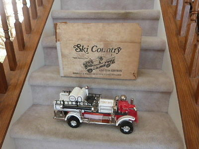 """VINTAGE 1981 Ski Country 1923 Ahrens Fox Fire Engine Truck Whiskey Decanter 17"""""""