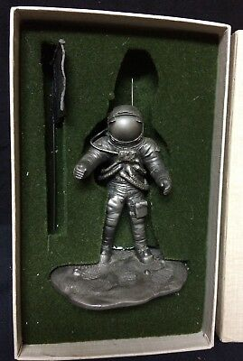 Franklin Mint Pewter THE ASTRONAUT Statue Figurine 1976 Neil Armstrong Apollo 11