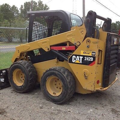 2014 CAT 242D Skid Loader
