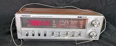 SounDesign  AM/FM Stereo Receiver Radio Player Wood Grain Alarm 3772 A