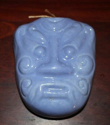 vintage wall vase TIKI Hawaiian Polynesian Pacific Island NZ blue china vgvc