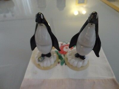 Vintage Novelty Kitsch plastic penguins Salt And Pepper Shakers