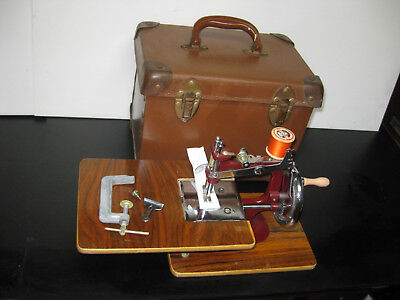 Vintage Essex English Made Cast Iron Hand Toy Sewing Machine With Carry Case